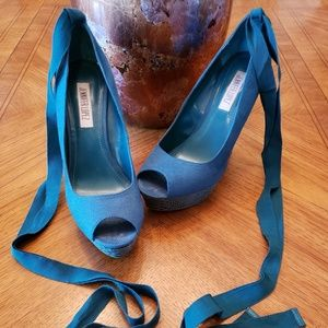 Jennifer Lopez Suede Teal Green Wedge 5' Heel 8